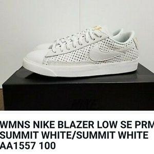 Nike blazer tennis shoes